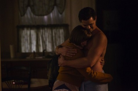 HBO-Girls-Lena-Dunham-and-Andre-Rannels-as-Hannah-and-Elijah