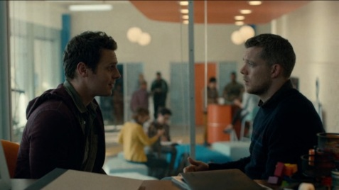 HBO-Looking-Jonathan-Groff-Russell-Tovey-as-Patrick-and-Kevin2
